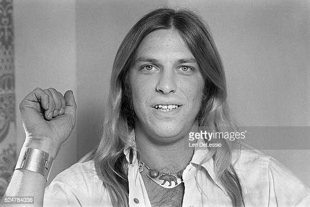 Jim Dandy Mangrum of Black Oak Arkansas posing in his New York City hotel room October 8 1975
