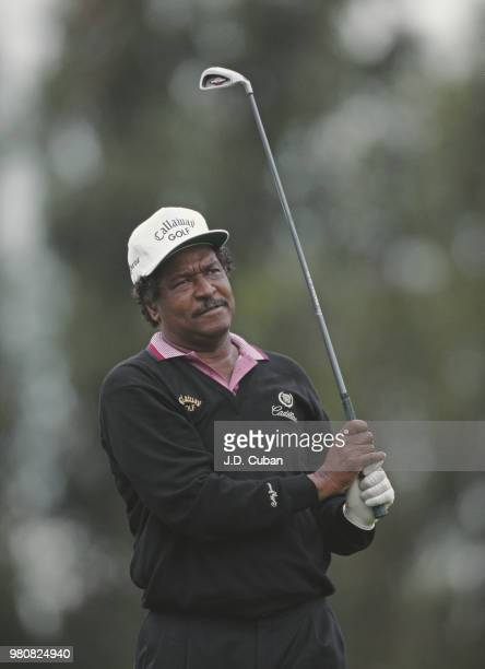 Jim Dent of the United States during the FHP Health Care Classic golf tournament on 3 March 1995 at the Ojai Valley Inn and Country Club Ojai...