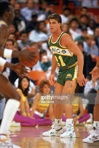 Jim Farmer of the Seattle Supersonics defends during the 19891990 NBA season game against the Los Angeles Lakers at the Great Western Forum in Los...