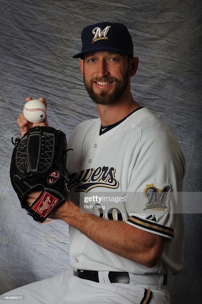 Jim Henderson #29 of the Milwaukee Brewers poses for a portrait during Photo Day on February 27, 2015 at Maryville Baseball Park in Maryvale, Arizona.