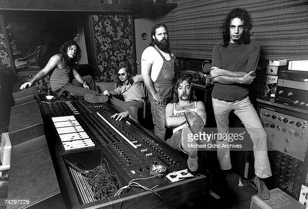 Jim Hodder Walter Becker Denny Dias Jeff 'Skunk' Baxter and Donald Fagen of the rock and roll band 'Steely Dan' pose for a portrait in 1973