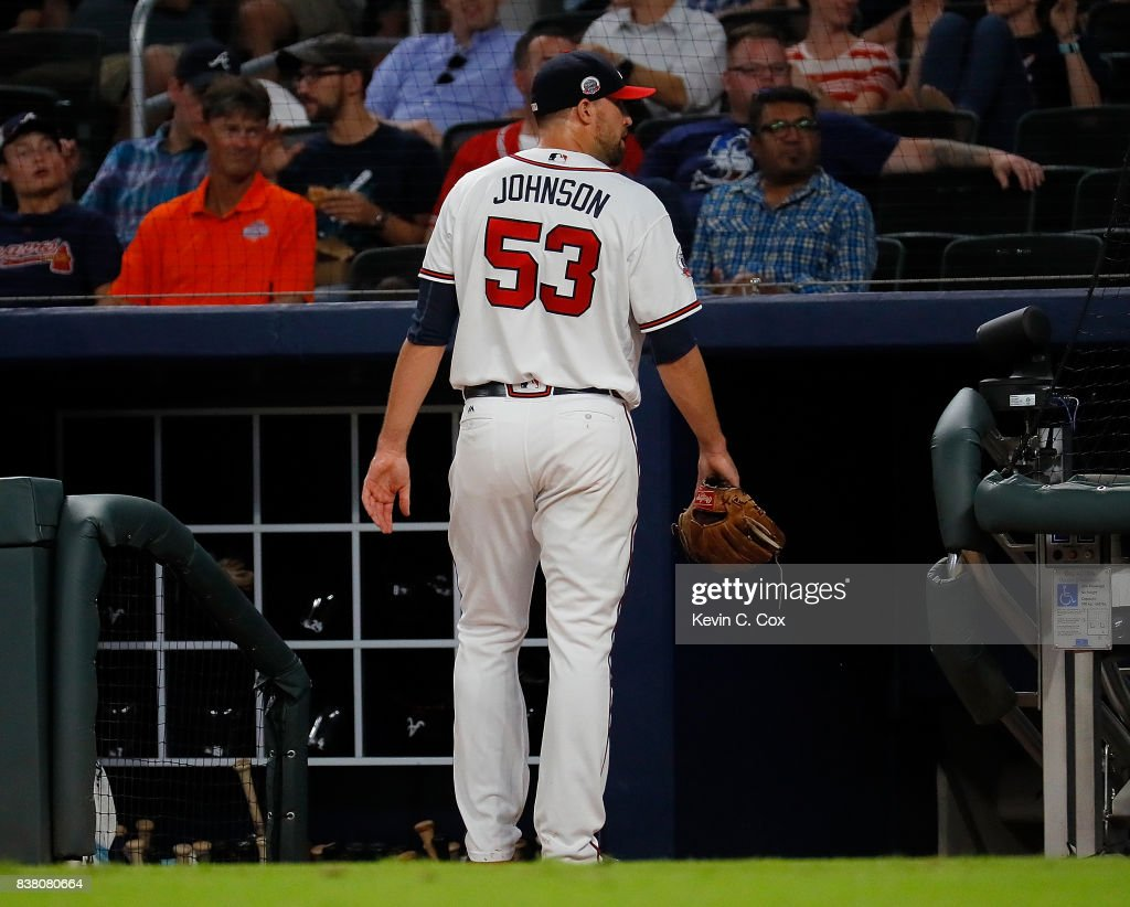 Jim Johnson #53 of the Atlanta Braves looks to the stands after being pulled in the eighth inning against the Seattle Mariners at SunTrust Park on August 23, 2017 in Atlanta, Georgia.