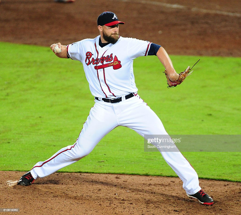 Jim Johnson #53 of the Atlanta Braves throws a ninth inning pitch against the Philadelphia Phillies at Turner Field on September 27, 2016 in Atlanta, Georgia.