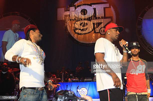 Jim Jones Cam'ron and Juelz Santana of Dipset perform during The Dipset Reunion at Hammerstein Ballroom on November 26 2010 in New York City