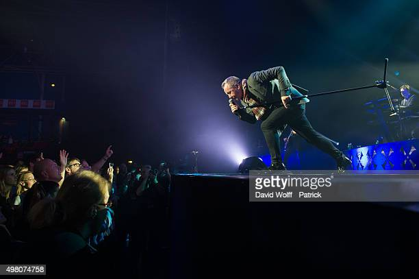 Jim Kerr from Simple Minds performs at Zenith de Paris on November 20, 2015 in Paris, France.