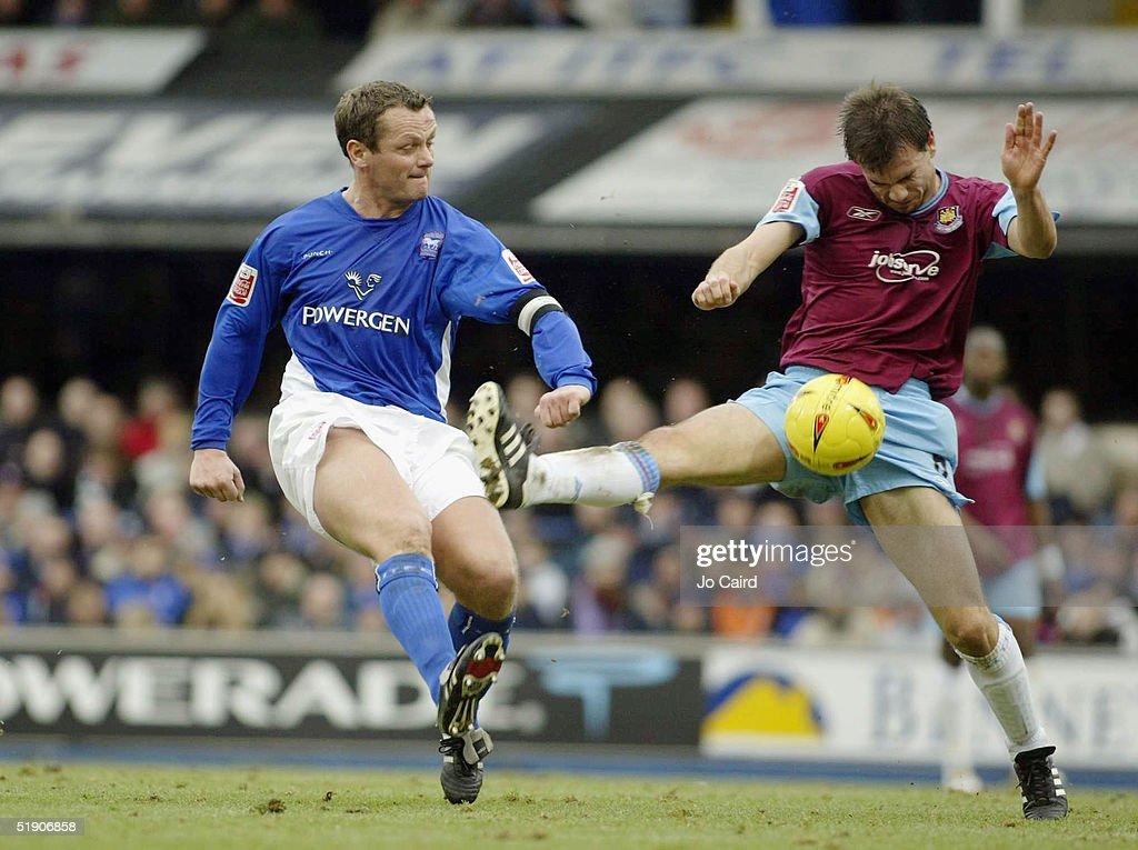 Ipswich Town v West Ham United : News Photo