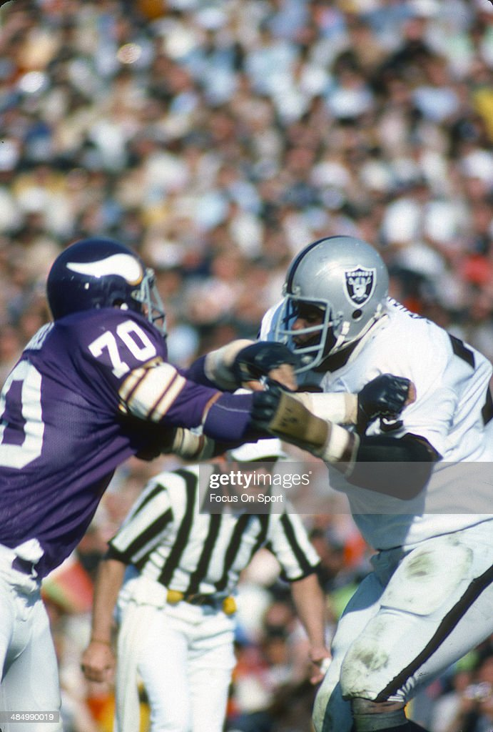 Jim Marshall Of The Minnesota Vikings In Action Against