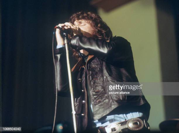 Jim Morrison singer of the US rock band The Doors 1968 in Germany | usage worldwide