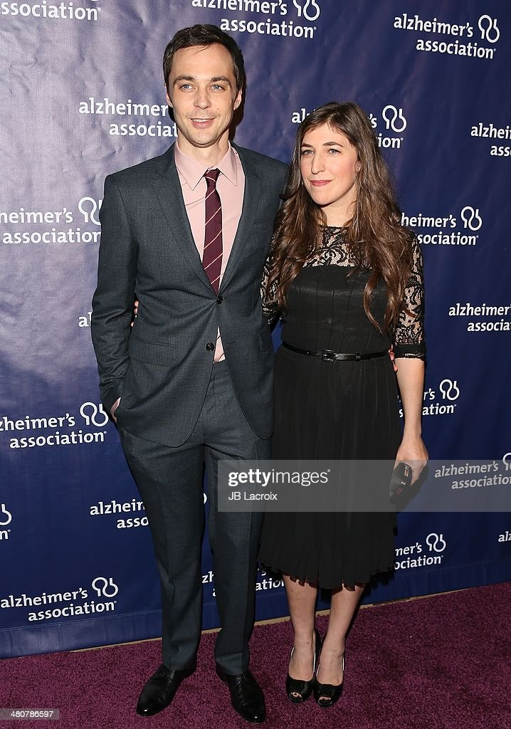 Jim Parsons and Mayim Bialik attend 'A Night At Sardi's' To Benefit The Alzheimer's Association held at the Beverly Hitlon Hotel on March 26, 2014 in Beverly Hills, California.