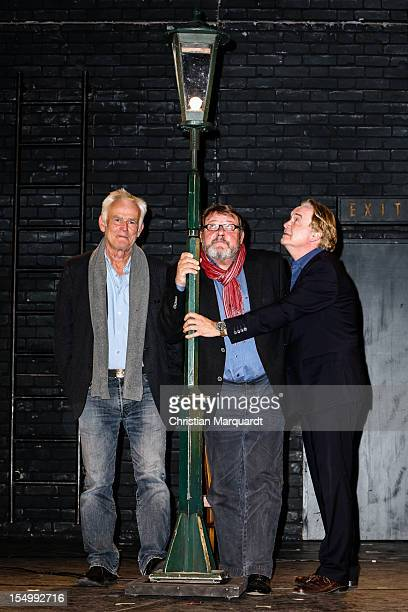 Jim Rakete Harald Martenstein and Klaus Hoffmann attend the photocall of the Charity Event 'Denk Mal An Die Gaslaterne' at Komedie am...