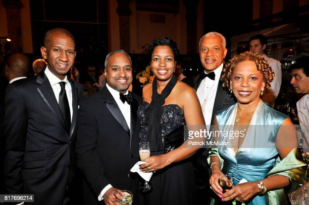 Jim Simmons Perry LeBlanc Kira LeBlanc Dr Edgar Mandeville and Harriette Mandeville attend 2010 Annual Gala of The STUDIO MUSEUM HARLEM at Museum of...