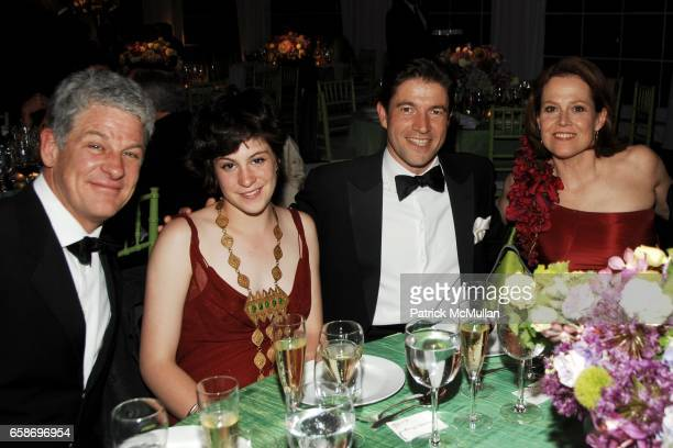 Jim Simpson Charlotte Simpson Frederic de Narp and Sigourney Weaver attend NEW YORK BOTANICAL GARDEN 2009 Conservatory Ball at New York Botanical...