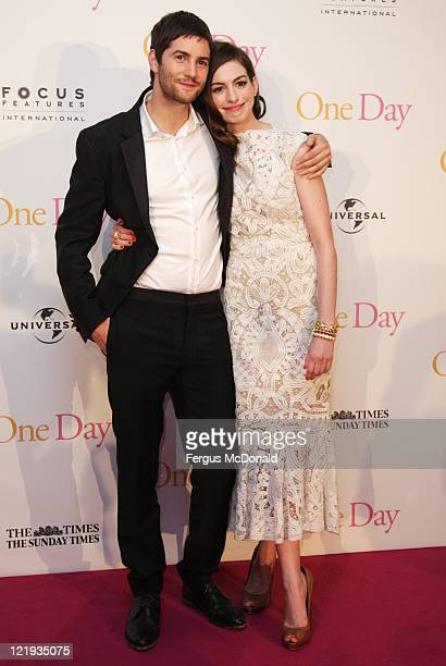 """Jim Sturgess and Anne Hathaway attend the European premiere of """"One Day"""" at The Vue Westfield on August 23, 2011 in London, England."""