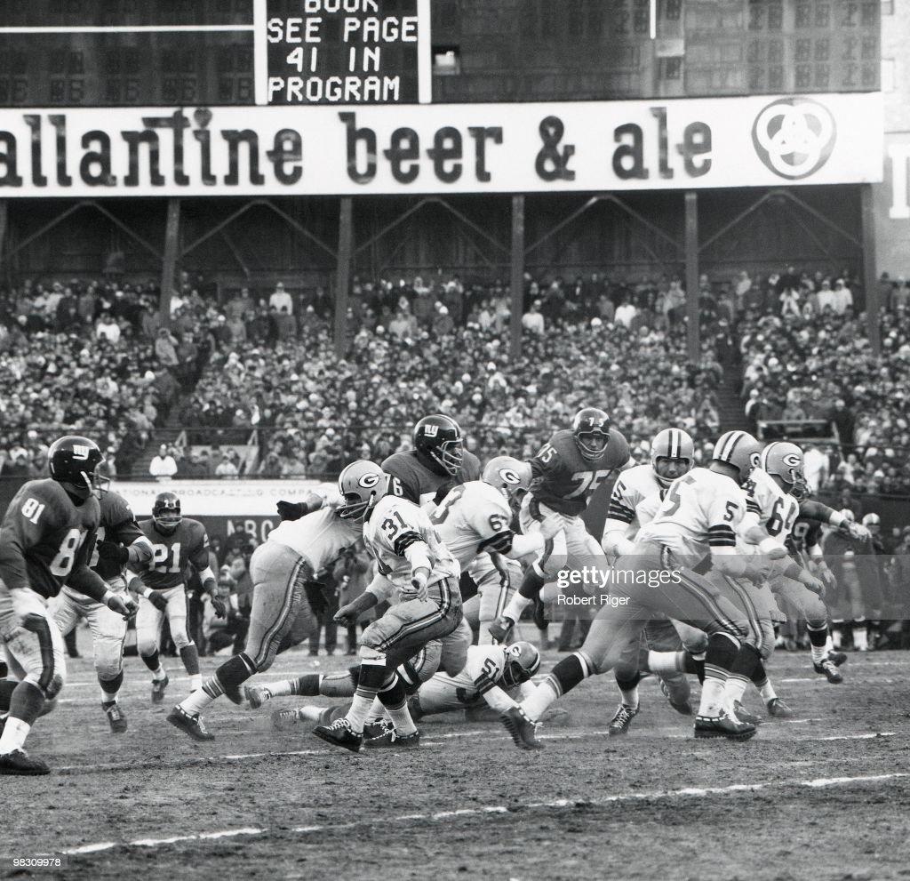 1962 NFL Championship: Green Bay Packers v New York Giants : News Photo