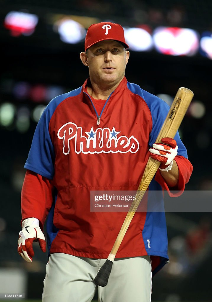 Jim Thome #25 of the Philadelphia Phillies takes batting practice before the MLB game against the Arizona Diamondbacks at Chase Field on April 23, 2012 in Phoenix, Arizona.