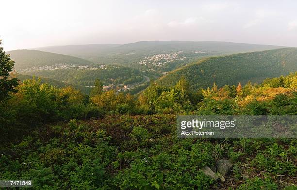 jim thorpe (mauch chunk), pennsylvania - pocono mountains stock pictures, royalty-free photos & images