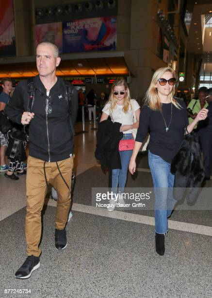 Jim Toth, Ava Phillippe and Reese Witherspoon are seen on November 21, 2017 in Los Angeles, California.