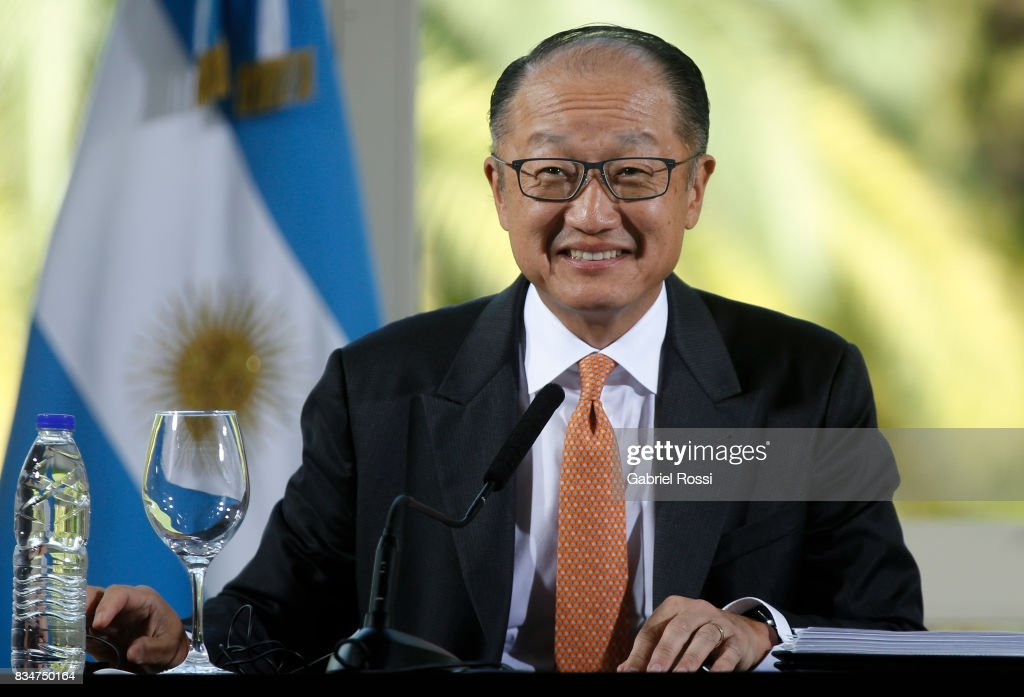 Jim Yong Kim President of The World Bank smiles during a press conference as part of the official visit of Jim Yong Kim President of The World Bank at Olivos Residence on August 17, 2017 in Olivos, Argentina.