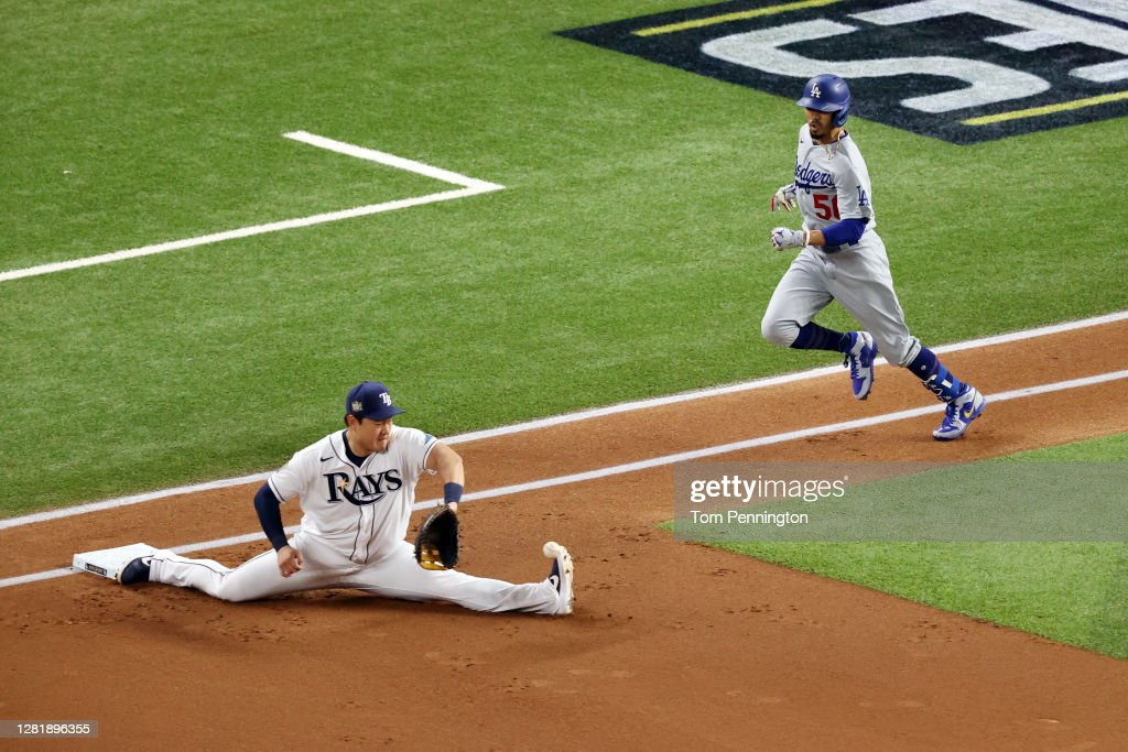 World Series - Los Angeles Dodgers v Tampa Bay Rays - Game Three : Photo d'actualité