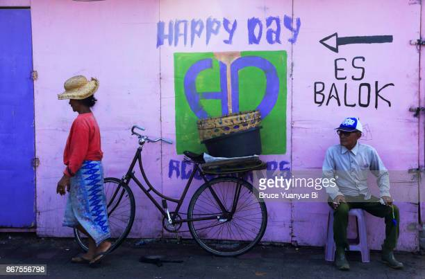 jimbaran market - balinese culture stock pictures, royalty-free photos & images