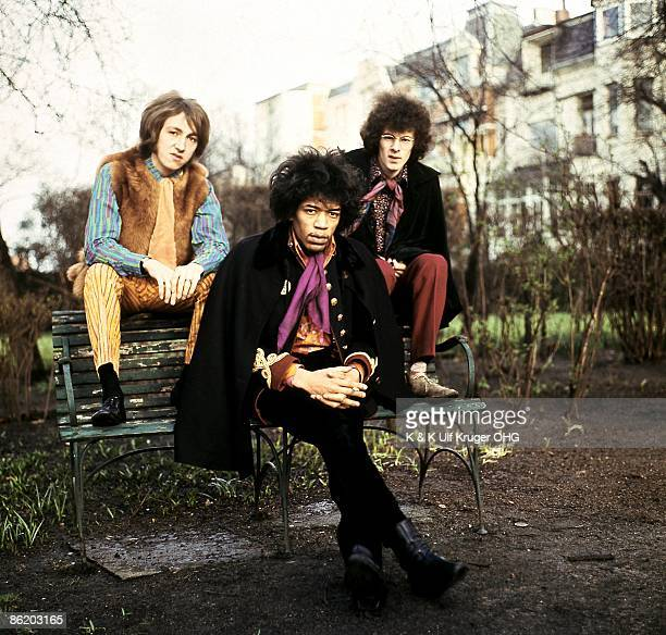 Photo of JIMI HENDRIX EXPERIENCE and Jimi HENDRIX LR Mitch Mitchell Jimi Hendrix Noel Redding Jimi Hendrix Experience posed group shot