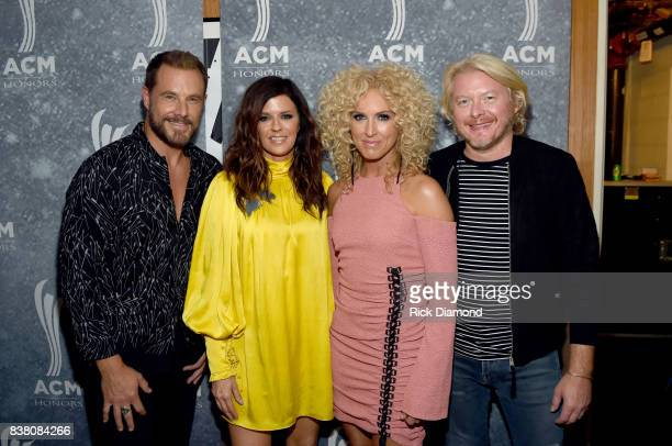Jimi Westbrook Karen Fairchild Kimberly Schlapman and Phillip Sweet of Little Big Town attend the 11th Annual ACM Honors at the Ryman Auditorium on...