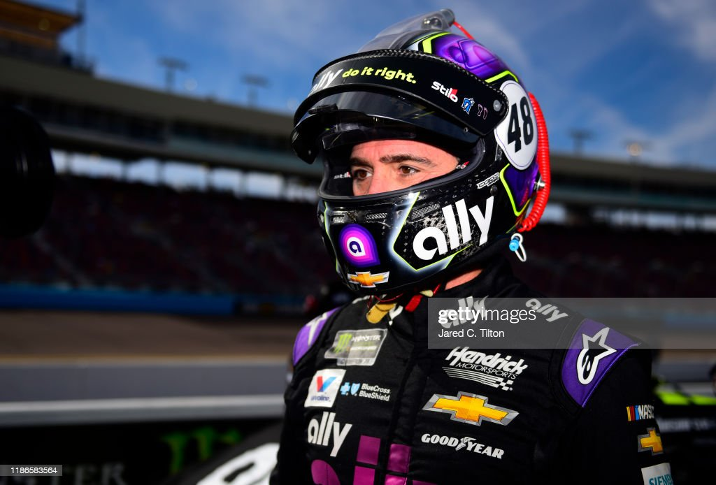 Monster Energy NASCAR Cup Series Bluegreen Vacations 500 - Qualifying : News Photo