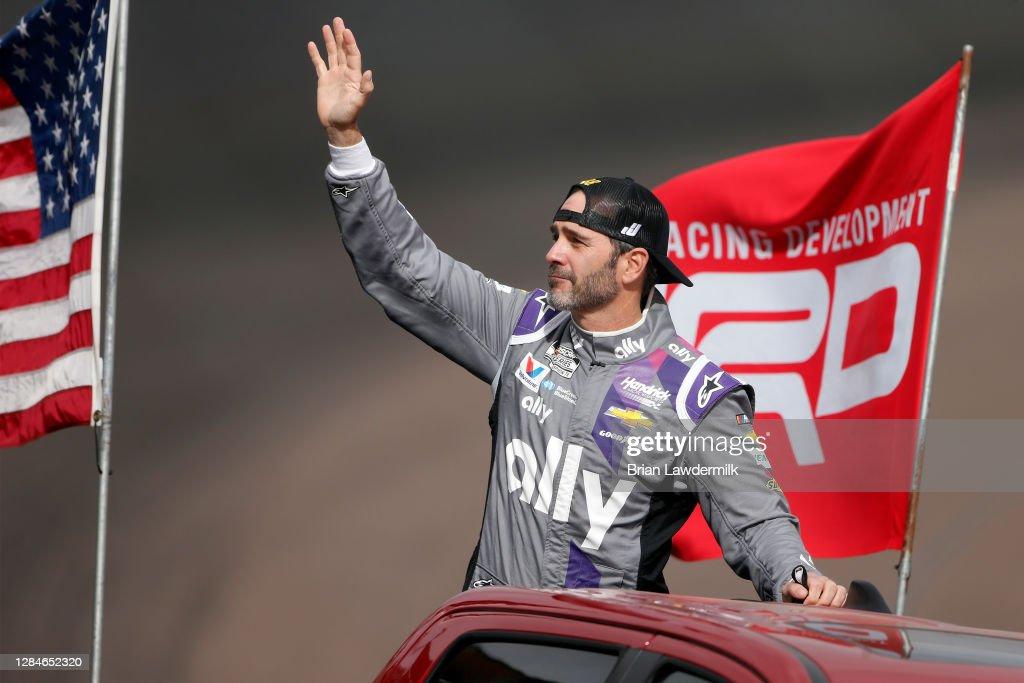 NASCAR Cup Series Season Finale 500 : News Photo