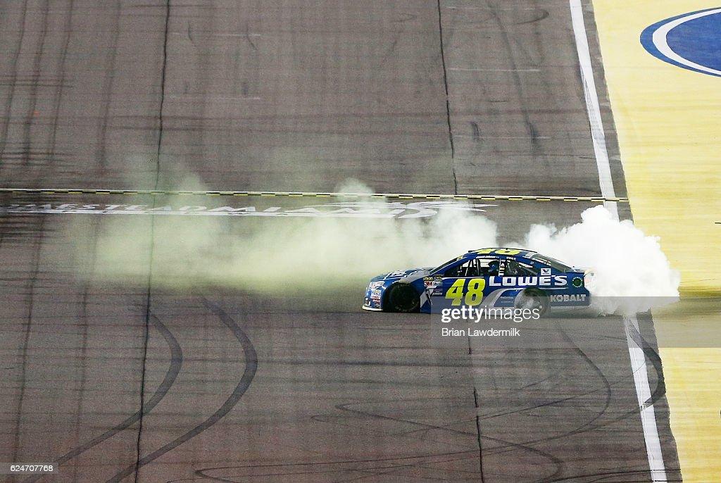 NASCAR Sprint Cup Series Ford EcoBoost 400 : Nachrichtenfoto