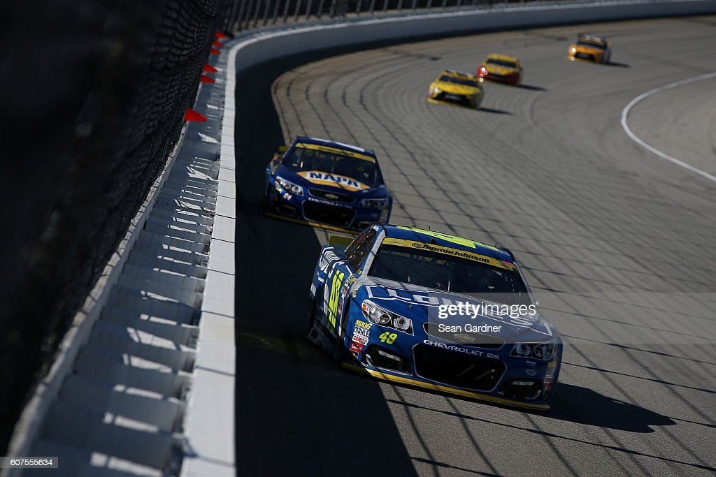 NASCAR Sprint Cup Series Teenage Mutant Ninja Turtles 400 : News Photo