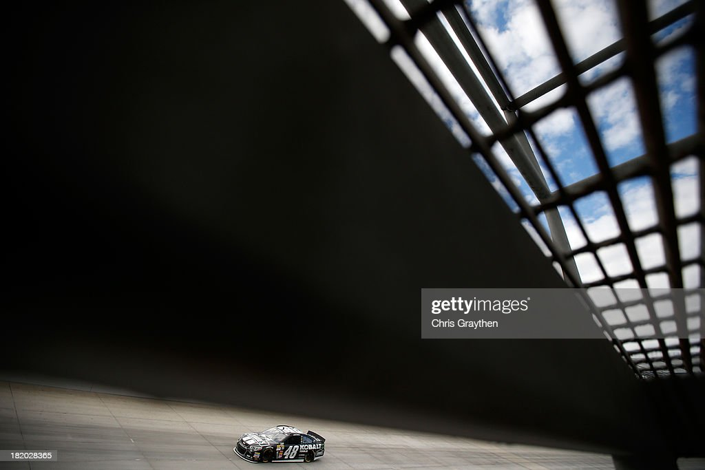 Jimmie Johnson drives the #48 Lowe's / Kobalt Tools Chevrolet during qualifying for the NASCAR Sprint Cup Series AAA 400 at Dover International Speedway on September 27, 2013 in Dover, Delaware.