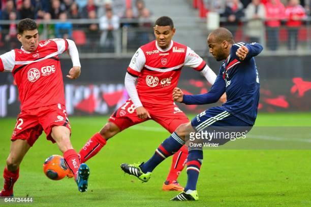 Jimmy BRIAND / Carl MEDJANI / Kenny LALA - - Valenciennes / Lyon - 32eme journee de Ligue 1 -, Photo : Dave Winter / Icon Sport