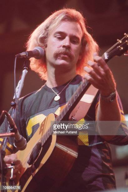 Jimmy Bufett performs on stage New York 3rd August 1977