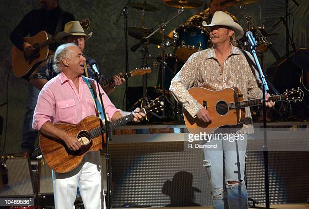 Jimmy Buffet and Alan Jackson perform 'It's 5 O'Clock Somewhere'