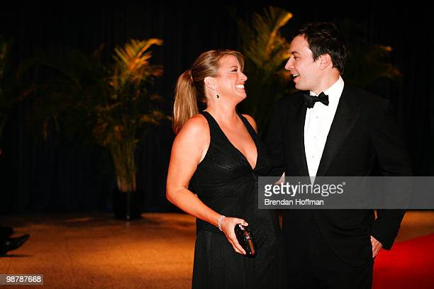Jimmy Fallon and wife Nancy Juvonen arrives at the White House Correspondents' Association dinner on May 1 2010 in Washington DC The annual dinner...
