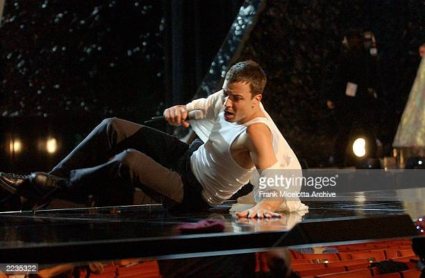 Jimmy Fallon as Enrique Eglesias rehearsing for the 2002 MTV Video Music Awards at Radio City Music Hall in New York City August 29 2002 Photo by...