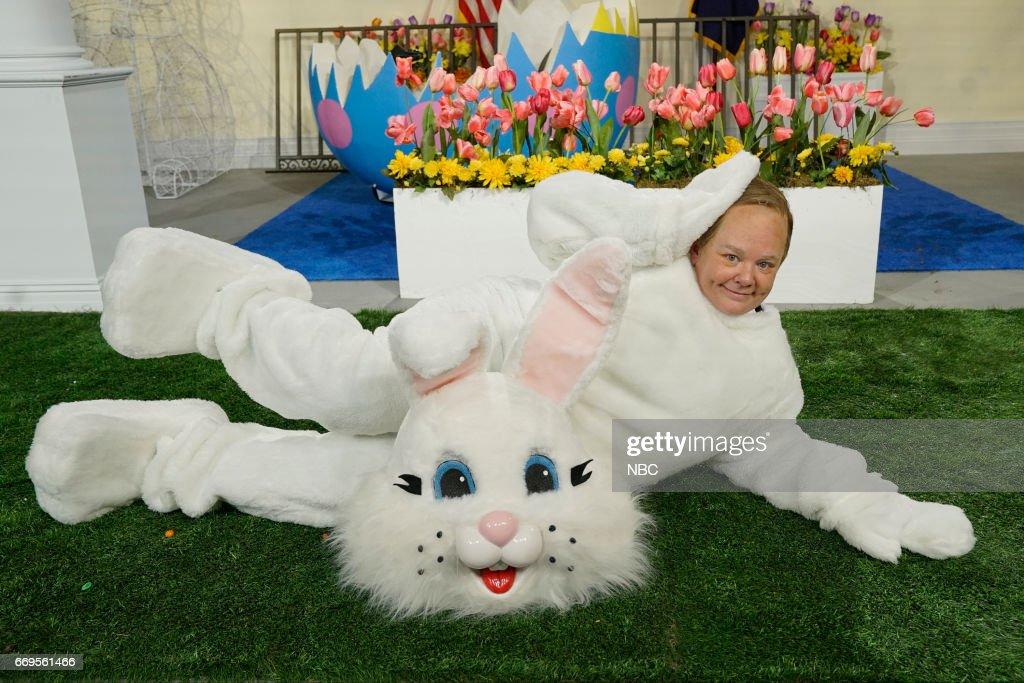 LIVE -- 'Jimmy Fallon' Episode 1722 -- Pictured: Melissa McCarthy as Press Secretary Sean Spicer on April 15, 2017 --