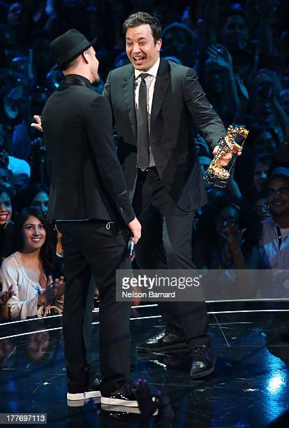 Jimmy Fallon presents Michael Jackson Video Vanguard Award to Justin Timberlake during the 2013 MTV Video Music Awards at the Barclays Center on...