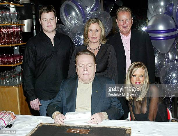 Jimmy Flynt Jr., Larry Flynt, Theresa Flynt, Jimmy Flynt Sr. And actress Jenna Jameson pose during Jameson's ceremony inducting her into the Hustler...