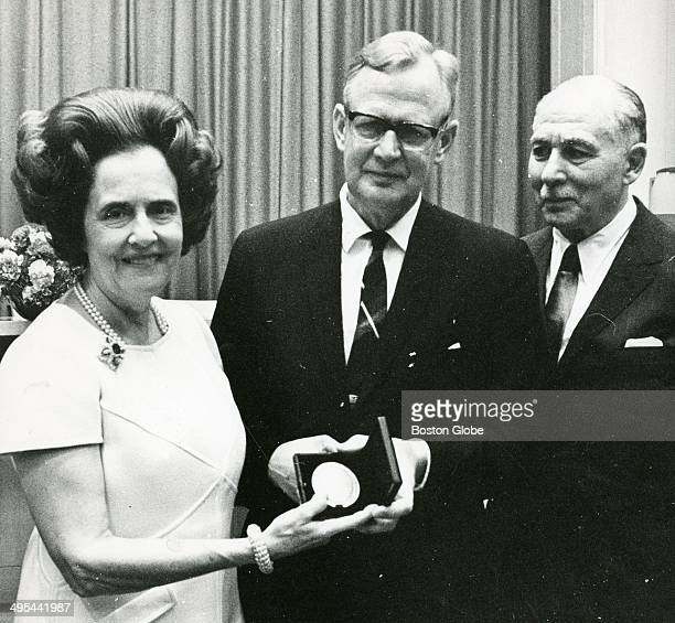 Jimmy Fund Sidney Farber Research Award on Oct 9 1969 Left to right Mrs Mary Lasker Dr Torbjorn and Dr Sidney Farber