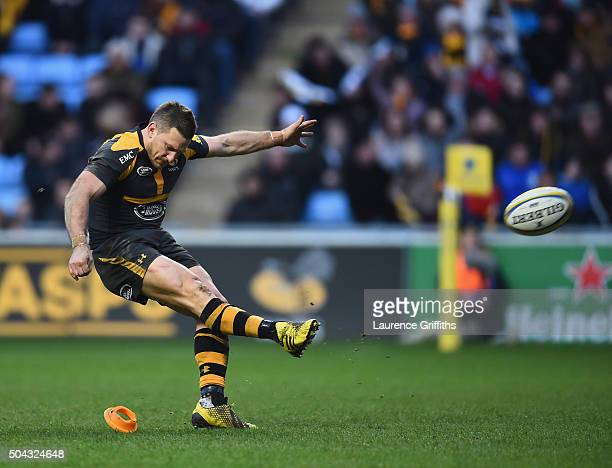 Jimmy Gopperth of Wasps in action during the Aviva Premiership match between Wasps and Worcester Warriors at Ricoh Arena on January 10 2016 in...