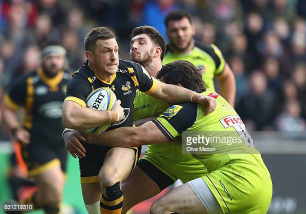 Jimmy Gopperth of Wasps in action during the Aviva Premiership match between Wasps and Leicester Tigers at The Ricoh Arena on January 8 2017 in...
