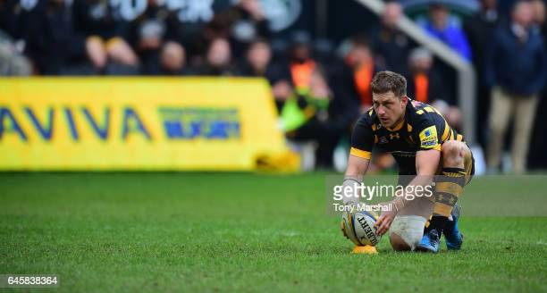 Jimmy Gopperth of Wasps lines up a kick during the Aviva Premiership match between Wasps and Gloucester Rugby at The Ricoh Arena on February 26 2017...