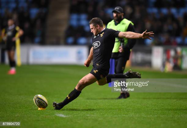 Jimmy Gopperth of Wasps takes a conversion kick during the Aviva Premiership match between Wasps and Newcastle Falcons at The Ricoh Arena on November...
