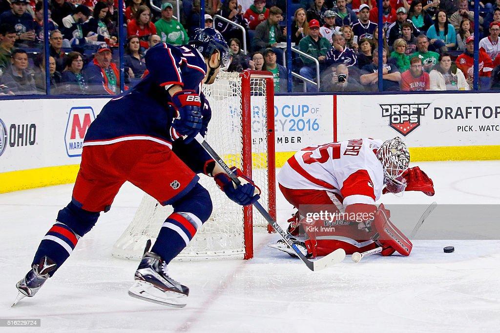 Detroit Red Wings v Columbus Blue Jackets : News Photo