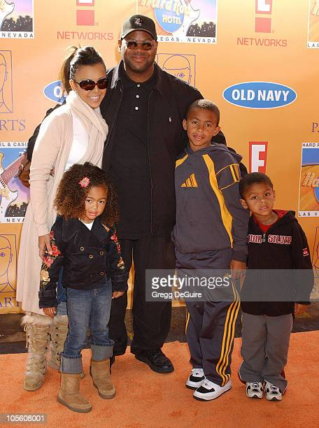 Jimmy Jam wife Lisa and family during 'Express Yourself' 7th Annual PS ARTS Charity Event Arrivals at Venice Beach in Venice California United States