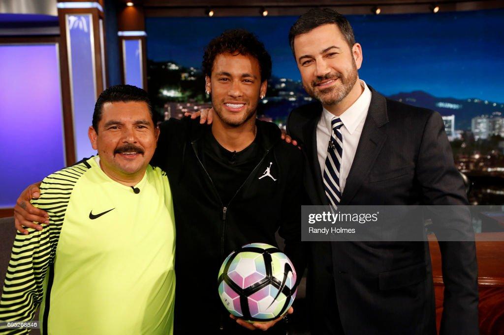 "ABC's ""Jimmy Kimmel Live"" - Season 15 : Fotografía de noticias"