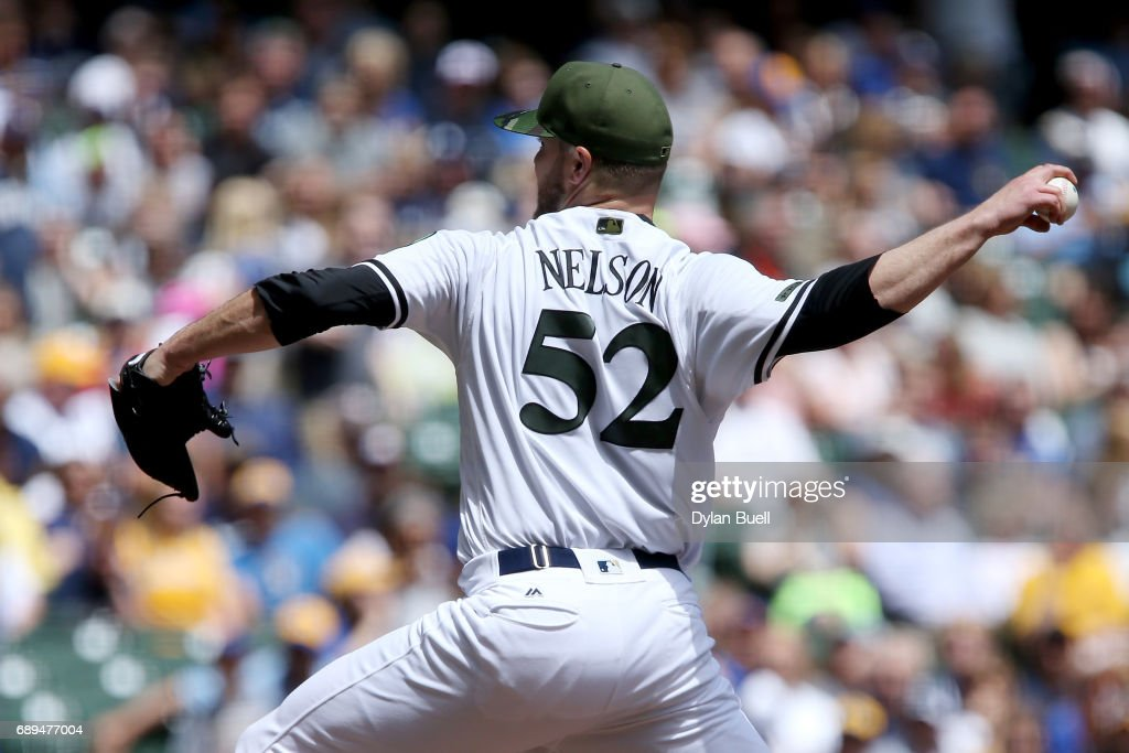 Jimmy Nelson #52 of the Milwaukee Brewers pitches in the first inning against the Arizona Diamondbacks at Miller Park on May 28, 2017 in Milwaukee, Wisconsin.