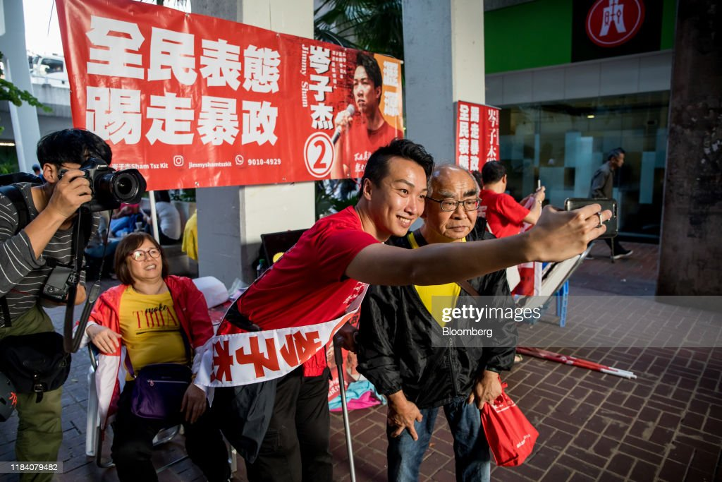 Campaigning of Hong Kong District Council Candidates As Divided City to Hold First Elections Since Protests Began : ニュース写真