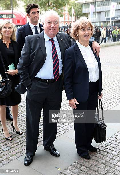 Jimmy Tarbuck and Pauline Tarbuck attend a memorial service for the late Sir Terry Wogan at Westminster Abbey on September 27 2016 in London England